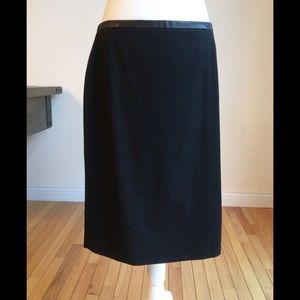Gorgeous Ann Taylor kick pleat skirt!